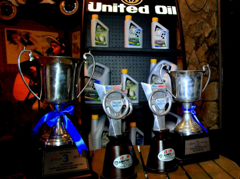 united oil, issom, 2014, piala, trophy